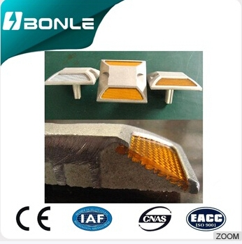 Quality Guaranteed Factory Price Oem Production Reflector Road Stud BONLE